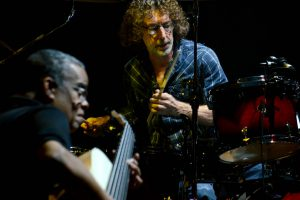 Anthony Jackson y Simon Phillips en el Coliseo año 2014
